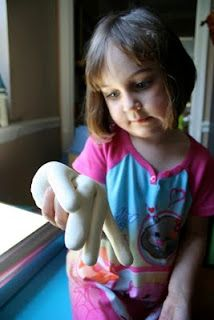 Boneless Hand  {Glove}:  This activity demonstrates the needs for bones.