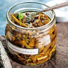 Pikkelöidyt suppilovahverot Mushroom Rice, Non Alcoholic Drinks, Rice Dishes, Dairy Free Recipes, Preserves, Free Food, Pickles, Cucumber, Stuffed Mushrooms