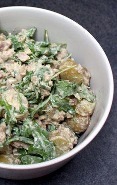 Salade de pommes de terre tièdes, thon & roquette