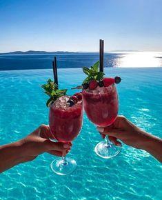 Cavo Tagoo Mykonos, Think Food, Aesthetic Food, Pink Aesthetic, Summer Drinks, Drinks On The Beach, Fancy Drinks, Food Cravings, Summer Vibes
