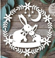 Cool Paper Crafts, Diy And Crafts, Crafts For Kids, Diy Ostern, Festa Party, Christmas Wood, Kirigami, Paper Decorations, Easter Crafts