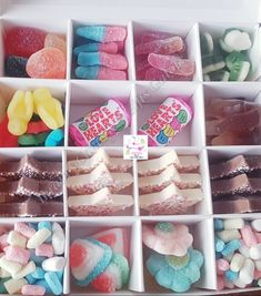 Single Kids Sweet Boxes, Chocolate & Candy Pick n Mix Box, Any Occasion Gifts Chocolate Gift Boxes, Pink Chocolate, Chocolate Bouquet, Edible Christmas Gifts, Edible Gifts, Halal Sweets, Sweet Cones, Personalized Gift Bags, Sweet Box