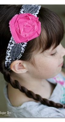 here's instructions on how to make a Fabric Flower Headband Wrap  - - love this simple sewing project!  ~ Sugar Bee Crafts