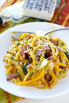 Creamy Butternut Squash Noodles with bacon and spinach Spiralizer Recipes, Vegetable Spiralizer, Zoodle Recipes, Kitchen Aid Spiralizer, Pasta Recipes, Dairy Recipes, Healthy Recipes, Cooking Recipes, Vegetarian Recipes