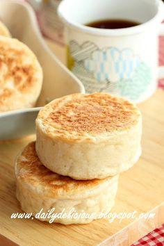 Easy no oven needed bread: Crumpets