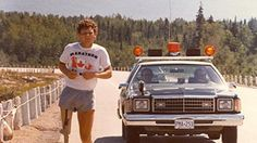 Terry Fox, after losing one of his legs to cancer; embarked on an east to west coast marathon in Canada to raise money for cancer research. He made it 143 days into his run before he lost his battle with cancer at the age of 22 - 1980 - nextfuckinglevel Order Of Canada, Canada Eh, Autumn Activities For Kids, Sport Hall, Canadian History, Reading Lessons, First Day Of School, How To Raise Money, British Columbia