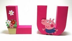 Letra 3D PEPPA PIG decorada feita em papel especial com apliques.