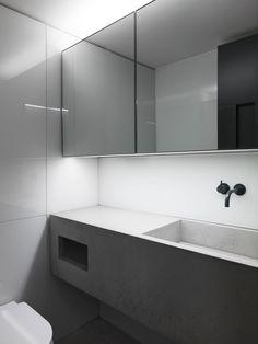 Concrete basin for a photography studio, London.