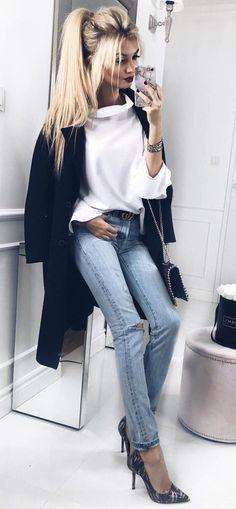 #winter #outfits 💋 👠#miłegoweekendu#fridaynight#ootd#mystyle#blondegirl#casual#chic#polishgirl#denim#levis#denimlove#redlips