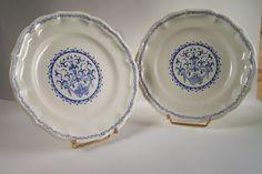 Assiettes Gien motifs bleus sur fond blanc de Gien France vintage Made in France de la boutique MyFrenchIdeedAntique sur Etsy