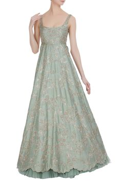 The latest Anushree Reddy 2018 Bridal Wear Collection has tons of pink shades, some ivory, greys and few traditional bridal lehengas. Indian Wedding Gowns, Desi Wedding Dresses, Indian Dresses, Indian Outfits, Bridal Dresses, Wedding Hijab, Indian Bridal, Party Dresses, Indian Designer Outfits