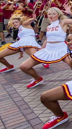 Cheerleader Pantyhose, Cheerleader Skirt, Rock Outfits, Cute Outfits, Cute Cheer Pictures, Periwinkle Dress, Redskins Cheerleaders, Disney Actresses, College Cheerleading