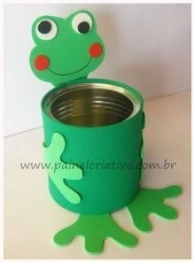 Tin Can Frog - (picture only) - look at the picture and design your frog with either felt, foam or construction paper. Cute for a tossing game, to fill with candy, or use as a small flower holder. Kids Crafts, Frog Crafts, Tin Can Crafts, Cute Crafts, Toddler Crafts, Preschool Crafts, Projects For Kids, Diy For Kids, Diy And Crafts