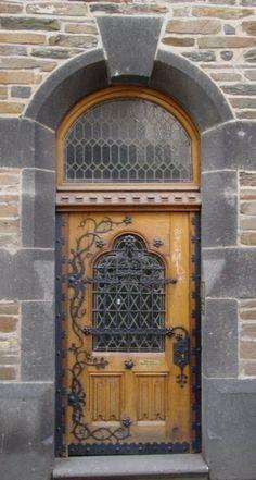 Door in the winemaking town Rüdesheim am Rhein, Germany~
