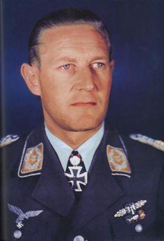 ✠ Gunther Radusch (11 November 1912 - 29 July 1988) RK 29.08.1943 Major Kdr II./NJG 3 06.04.1944 [444. EL] Major Kommodore NJG 5