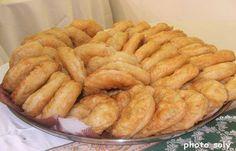Dans cette recette je vous montre comment réaliser La Recette Sfenj Beignets Marocains Ou khfaf. Un beignet cuit dans l'huile, qui se mange au Maghreb.