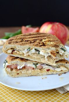This Frontega Chicken Panini from www.iowagirleats.com is so simple to ...