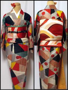 How geometric! Yukata Kimono, Kimono Fabric, Kimono Dress, Japanese Outfits, Japanese Fashion, Japanese Geisha, Vintage Kimono, Style Kimono, Okinawa