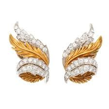 View this item and discover similar for sale at - Simply beautiful, McTeigue & Co. gold and diamond earrings, formed as curving Acanthus leaves, looking like delicate plumes. Perfect size and finish, Diamond Jewelry, Gemstone Jewelry, Diamond Earrings, Royal Jewelry, Jewellery, Leaf Earrings, Clip On Earrings, Titanic Jewelry, Jewelry Illustration