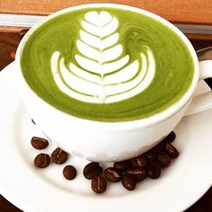 dem #mixnmatcha mornings  @speedoscafe making some amazing matcha art with their green goodness lattes! LOVE