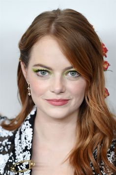 """emstonesdaily: """"Emma Stone attends the opening night premiere of """"The Favourite"""" during the New York Film Festival at Alice Tully Hall, Lincoln Center on September 2018 in New York City. Cabelo Emma Stone, Emma Stone Red Hair, Auburn Hair Dye, Natural Auburn Hair, Over 40 Hairstyles, Latest Hairstyles, Hairstyles 2018, Formal Hairstyles, Blue Hairstyles"""