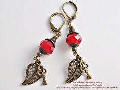 Ohrhänger - Damen-Ohrringe lang, Rote Beere, Blatt & Sc... - ein Designerstück von Miss-AraBeeXX bei DaWanda