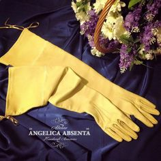 Regency leather long gloves. Custom made. 100% customizable. Contact me for a personalised quote. - Guantes largos regencia hechos a medida. 100% personalizables. Contacta conmigo y te haré un presupuesto personalizado.