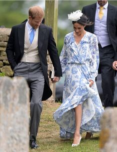 Walking to the ceremony in the same shoes that carried Meghan down the aisle
