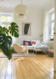 Glück im Blick | Foto von Mitglied HotchocolateDrop #wohnzimmer #livingroom #interior #interiordesign #interiorinspo #solebich #deko #decoration #frühling #spring
