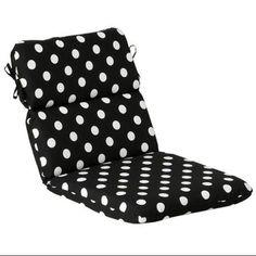 Outdoor Patio Furniture High Back Chair Cushion - Black & White ...