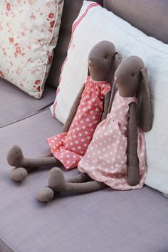 A spot of relaxation with my friend. Scandinavian Toys, Maileg Bunny, Handmade Stuffed Animals, Handmade Soft Toys, Rabbit Toys, Cat Doll, Sewing Toys, Soft Dolls, Fabric Dolls