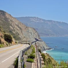 The Highway 1 Drive is one of the most scenic road trips in the world - Big Sur California USA // localadventurer.com