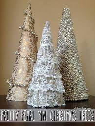 Resultado de imagem para como fazer anjos de natal com cone de linha