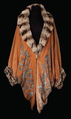 Walter Plunkett - Costumes - Cape Velours et Chinchilla - Chantons sous la Pluie - 1952