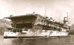 HMS Glorious a nice pre-war Photo Royal Navy Aircraft Carriers, Navy Carriers, Hms Furious, British Aircraft Carrier, Naval History, Military History, Capital Ship, Armada, Navy Ships