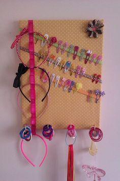 Accessories holder Headband/clip holder to DIY Headband/clip holder to DIY Organizing Hair Accessories, Baby Hair Accessories, Diy Hair Accessories Holder, Diy For Kids, Crafts For Kids, Hair Clip Organizer, Diys, Diy Y Manualidades, Diy Bebe