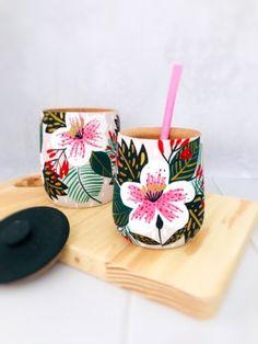 Crackpot Café, Painted Pots, Bottle Art, Pottery Art, Decoupage, Prints, Diy, Design, Dessert