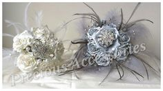 Matching bouquets for a bride and her bridesmaid..