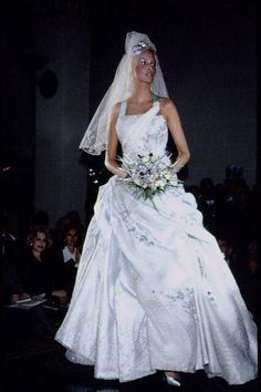 1994 - Atelier Versace show - Nadja Auermann
