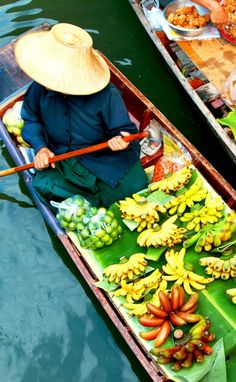 Traditional floating Market | Thailand Travel Guide