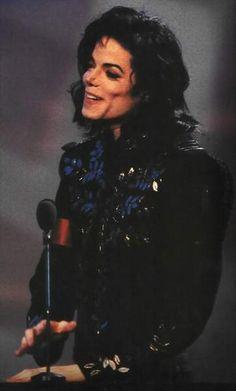 Michael Jackson Vivo, Michael Jackson Wallpaper, Gary Indiana, Jackson Family, The Jacksons, Beautiful Smile, My King, Perfect Man, My Idol