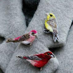 ❤ Unique christmas brooch gift ❤ New embroidered bird brooch! Canary bird, Purple finch bird, Red crossbill bird