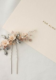 Hair Jewelry TEAROSE blush wedding hair pin 5 - The Tearose blush wedding hair pin features pale rose and peachy tones that adds the perfect touch of warmth to a romantic bridal look. Wedding Hair Pins, Headpiece Wedding, Bridal Headpieces, Wedding Veils, Wedding Blush, Wedding Car, Hair Accessories For Women, Wedding Hair Accessories, Hair Jewelry