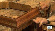 Décaper un meuble en bois soi-même Gauche, Crafts, Diy, Tips And Tricks, Stripping Wood Furniture, Painted Furniture, Manualidades, Bricolage, Do It Yourself