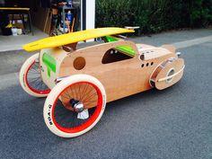 Un petit apperçu de la voiture à pédales que je suis en train de construire ! la suite finie pour le printemps 2015 ! à suivre !  stephaneguilloux.com