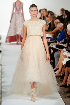 Oscar de la Renta Spring 2014 Runway Show | NY Fashion Week Photo 13