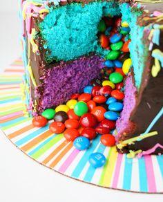 14 Recetas de tartas piñata mágicas que están llenas de sorpresas