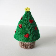 Ravelry: Christmas Tree pattern by Amanda Berry