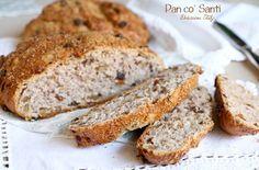 Il Pan co' Santi è un tipico dolce autunnale e a Siena e nei dintorni si comincia a mangiare dal giorno dei Santi in poi.