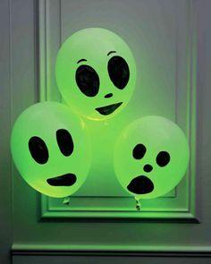 Du möchtest deine Wohnung für Halloween dekorieren, aber einfach nur so einen Kürbis ausschnitzen klingt langweilig? Dann lass dich...